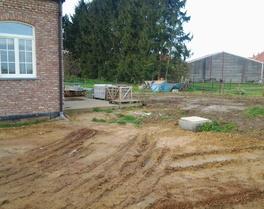 Grond- & Afbraakwerken Mues bvba - Kersbeek-Miskom - Bunsbeek : buiten aanleg rond nieuwbouw