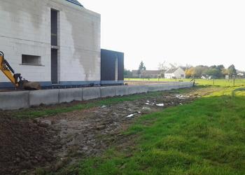 BVBA MUES - Glabbeek : ophogen terrein voor het aanleggen van oprit en parking - Fotogalerij